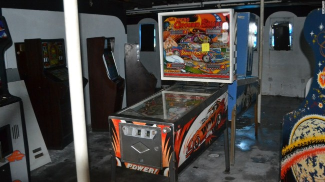 160601150753-arcade-machines-discovered-in-ship-2-super-169